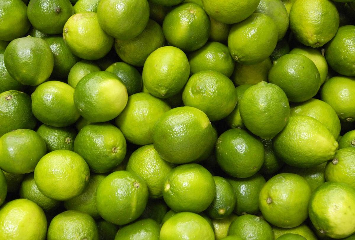 alimentos para ayudar acelerar el metabolismo limón