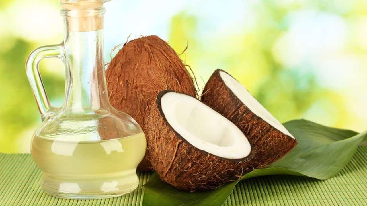 remedios caseros para hacer crecer el cabello masajes con aceite de coco