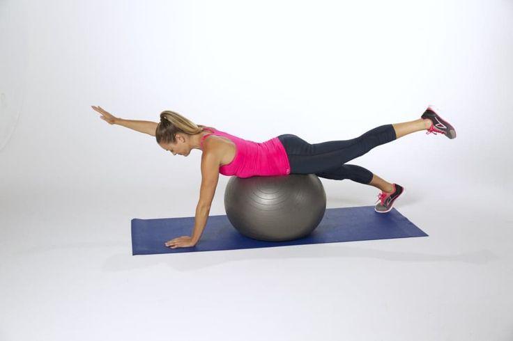 Extensiones de brazo y pierna con pelota