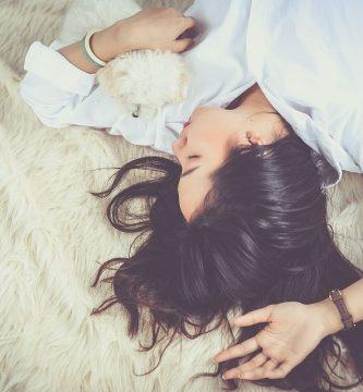 por qué se cae el cabello y cómo evitarlo